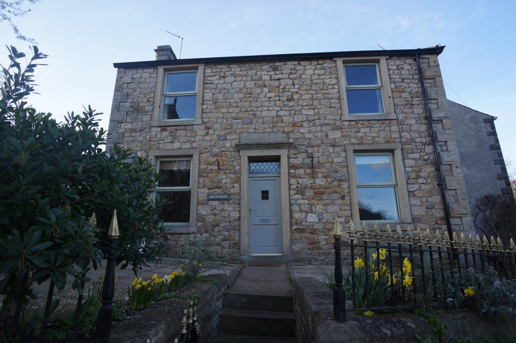 Beechmount, Waddington, Clitheroe, BB7 3HS